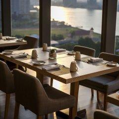 Отель AVANI Riverside Bangkok Hotel Таиланд, Бангкок - 1 отзыв об отеле, цены и фото номеров - забронировать отель AVANI Riverside Bangkok Hotel онлайн питание