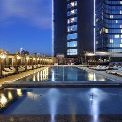 Hilton Istanbul Bomonti Hotel & Conference Center Турция, Стамбул - 7 отзывов об отеле, цены и фото номеров - забронировать отель Hilton Istanbul Bomonti Hotel & Conference Center онлайн бассейн фото 2