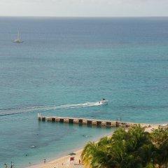 Отель Rest Up Beach Studio At Montego Bay Club Resort Ямайка, Монтего-Бей - отзывы, цены и фото номеров - забронировать отель Rest Up Beach Studio At Montego Bay Club Resort онлайн пляж