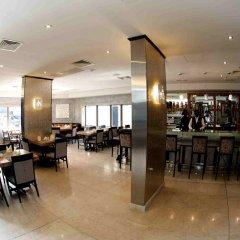 Отель The Avenue Suites Лагос гостиничный бар