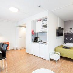 Отель Forenom Aparthotel Helsinki Herttoniemi в номере