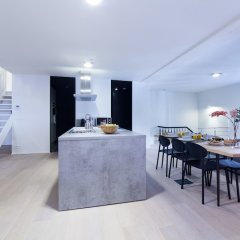 Апартаменты Sweet Inn Apartments Van Orley комната для гостей фото 3