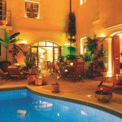 Отель Palazzino di Corina бассейн