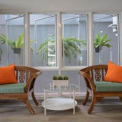 Отель Penguin House Таиланд, Бангкок - отзывы, цены и фото номеров - забронировать отель Penguin House онлайн балкон