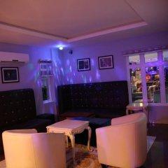 Отель Kiniz Luxury Apartments Нигерия, Уйо - отзывы, цены и фото номеров - забронировать отель Kiniz Luxury Apartments онлайн