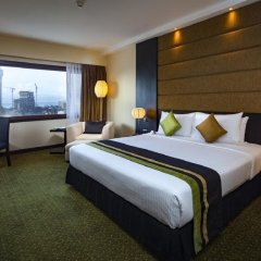 Отель Cinnamon Lakeside Colombo Шри-Ланка, Коломбо - 2 отзыва об отеле, цены и фото номеров - забронировать отель Cinnamon Lakeside Colombo онлайн комната для гостей фото 4