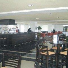 Отель Garbi Costa Luz гостиничный бар