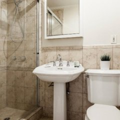 Отель San Vicente 4 Bedroom House By Redawning США, Лос-Анджелес - отзывы, цены и фото номеров - забронировать отель San Vicente 4 Bedroom House By Redawning онлайн ванная