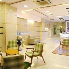 Thuy Sakura Hotel & Serviced Apartment интерьер отеля