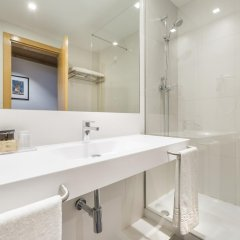 Отель Ramada by Wyndham Lisbon ванная