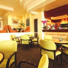 Ambassador Hotel Jerusalem Израиль, Иерусалим - отзывы, цены и фото номеров - забронировать отель Ambassador Hotel Jerusalem онлайн гостиничный бар