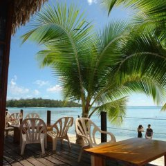 Отель Les Tipaniers Французская Полинезия, Муреа - отзывы, цены и фото номеров - забронировать отель Les Tipaniers онлайн пляж