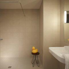 Отель Moxy Milan Linate Airport Италия, Сеграте - отзывы, цены и фото номеров - забронировать отель Moxy Milan Linate Airport онлайн ванная фото 2