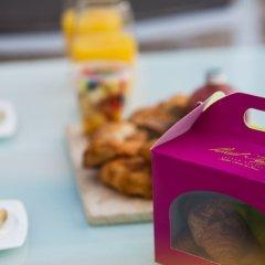 Отель Dream Inn Dubai - Royal Palm Beach Villa ОАЭ, Дубай - отзывы, цены и фото номеров - забронировать отель Dream Inn Dubai - Royal Palm Beach Villa онлайн гостиничный бар