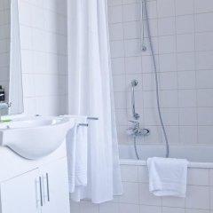Отель Hôtel Siru Бельгия, Брюссель - 9 отзывов об отеле, цены и фото номеров - забронировать отель Hôtel Siru онлайн ванная фото 2