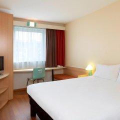 Отель Ibis Poznan Stare Miasto Познань комната для гостей