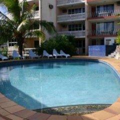 Отель Capricorn Apartment Hotel Suva Фиджи, Вити-Леву - отзывы, цены и фото номеров - забронировать отель Capricorn Apartment Hotel Suva онлайн бассейн