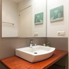 Отель Luxury Apartment near Diagonal Испания, Барселона - отзывы, цены и фото номеров - забронировать отель Luxury Apartment near Diagonal онлайн ванная