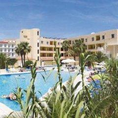 Отель Apartamentos Xaloc бассейн