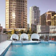 Отель Shangri-La Hotel Vancouver Канада, Ванкувер - отзывы, цены и фото номеров - забронировать отель Shangri-La Hotel Vancouver онлайн бассейн