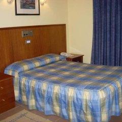 Отель Pensió La Creu комната для гостей фото 5