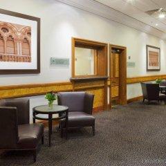 Отель Holiday Inn London Kings Cross / Bloomsbury гостиничный бар