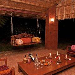 Отель WelcomHeritage Maharani Bagh Orchard Retreat бассейн