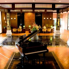 Отель Alpina Phuket Nalina Resort & Spa интерьер отеля
