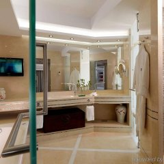 Отель Divani Apollon Palace And Thalasso Афины ванная