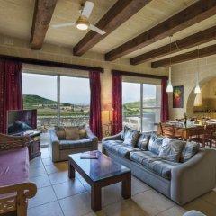 Отель Gozo Farmhouses - Gozo Village Holidays Мальта, Виктория - отзывы, цены и фото номеров - забронировать отель Gozo Farmhouses - Gozo Village Holidays онлайн комната для гостей