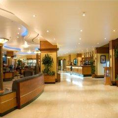 Отель Occidental Sharjah Grand интерьер отеля
