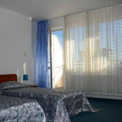 Отель Veda Guest House Болгария, Поморие - отзывы, цены и фото номеров - забронировать отель Veda Guest House онлайн сейф в номере