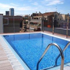 Отель Catalonia La Pedrera бассейн