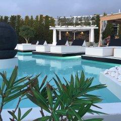 Отель Oia Sunset Villas Греция, Остров Санторини - отзывы, цены и фото номеров - забронировать отель Oia Sunset Villas онлайн бассейн фото 3