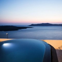 Отель Porto Fira Suites Греция, Остров Санторини - отзывы, цены и фото номеров - забронировать отель Porto Fira Suites онлайн бассейн фото 2
