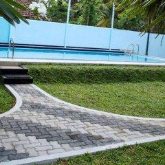 Отель Larns Villa бассейн фото 2