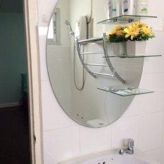 Отель Pin Guest House Бангкок ванная