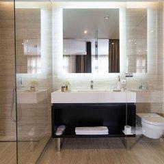 Отель Dominic & Smart Luxury Suites Republic Square ванная
