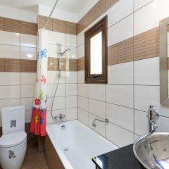 Отель Artemis Villa Кипр, Протарас - отзывы, цены и фото номеров - забронировать отель Artemis Villa онлайн ванная