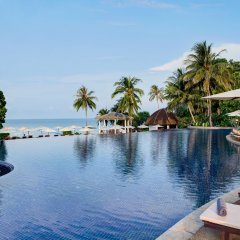 Отель Rawi Warin Resort and Spa бассейн