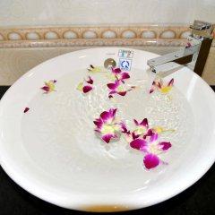 Отель Nuni Homestay Хойан ванная