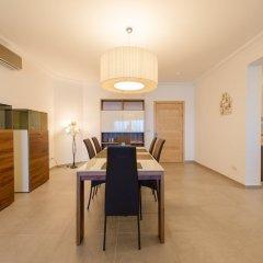 Отель Seafront Luxury APT With Pool Мальта, Слима - отзывы, цены и фото номеров - забронировать отель Seafront Luxury APT With Pool онлайн в номере