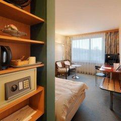 Отель Guest'S House Цюрих сейф в номере