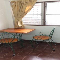 Апартаменты Baan Khun Mae Apartment удобства в номере