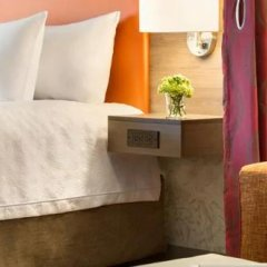 Отель Home2 Suites by Hilton Frederick сейф в номере