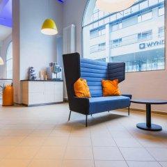 Отель A&O Salzburg Hauptbahnhof Зальцбург интерьер отеля