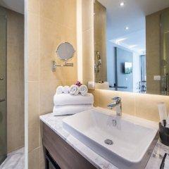 Отель Dewa Phuket Nai Yang Beach Таиланд, Пхукет - 1 отзыв об отеле, цены и фото номеров - забронировать отель Dewa Phuket Nai Yang Beach онлайн ванная фото 2