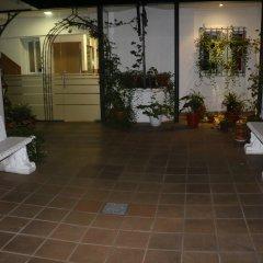 Отель Hostal San Blas парковка