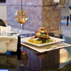 Гостиница Mirotel Resort and Spa Украина, Трускавец - 1 отзыв об отеле, цены и фото номеров - забронировать гостиницу Mirotel Resort and Spa онлайн гостиничный бар