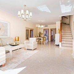 Отель Villa Bennecke Oasis Рохалес комната для гостей